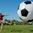 Gigantic-6-Foot-Tall-Soccer-Ball-by-Big-Mouth-Toys2